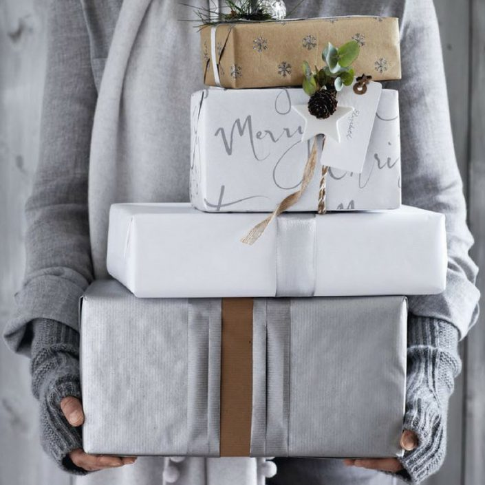A Christmas gift list for Scandinavian Style lovers. Don't panic if you left the Xmas gift to the last minute - here's a gift list that can save the day.